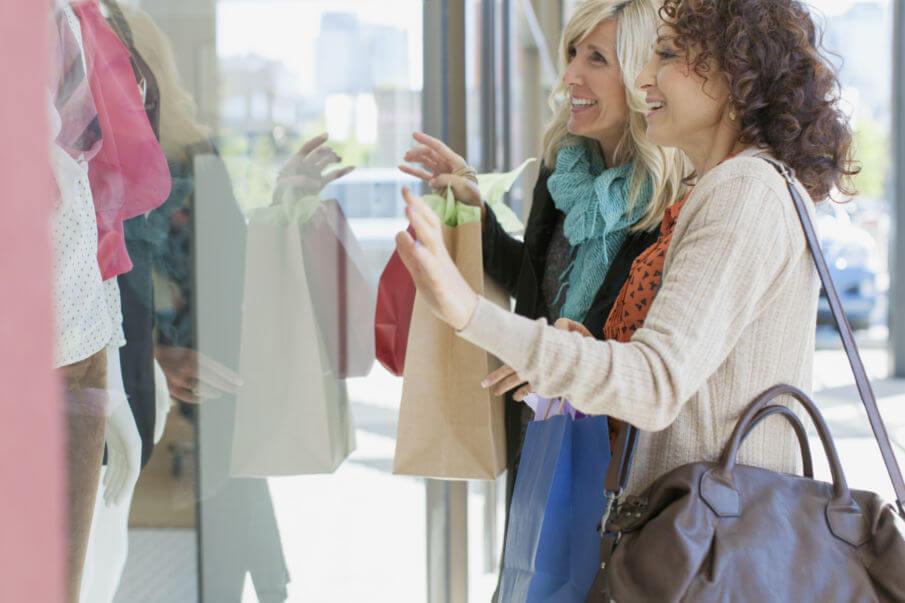 Ledershopper, Frau mit Shopping Bag