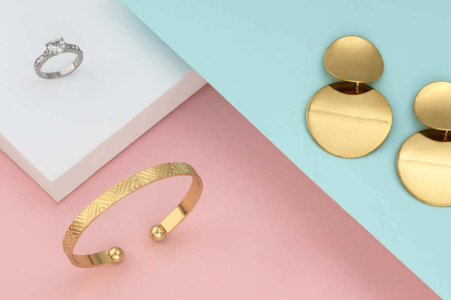 Damen Ohrringe, Schmuck für Damen, Goldener Ohrring, Armreif in Gold